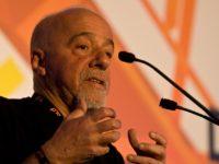 Paulo Coelho Kecam Reza Pahlavi karena Dukung Kerusuhan Iran