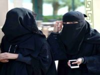 Wanita Saudi Tak Lagi Wajib Kenakan Abaya