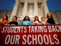 Siswa Sekolah Florida Tuntut Reformasi Kebijakan Terkait Senjata Api