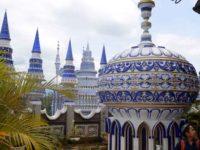 Eksotisme Masjid Tiban yang Penuh Misteri