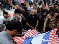 Protes Agresi Militer ke Suriah, Rakyat Irak Bakar Bendera AS