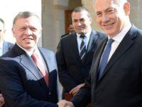 """Netanyahu Hadiahkan Sebuah Tank """"Merkava"""" kepada Raja Yordania"""