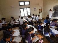 Gaji Tak Dibayarkan, Ribuan Guru di India Ancam akan Bunuh Diri Massal