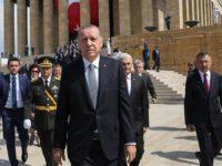 Erdogan: Abaikan Ancaman AS, Turki Akan Segera Beli S-400 Rusia