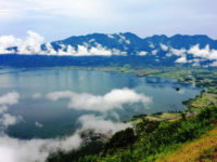 Menikmati Keindahan Danau Maninjau dari Puncak Lawang