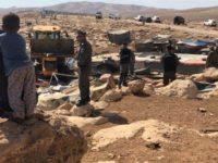 Paling Lambat 1 Oktober: Penduduk Khan Al-Ahmar Harus Hancurkan Rumah Mereka