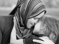 Manfaat Kesehatan yang Luar Biasa dari Memeluk Anak