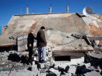Israel Hancurkan Rumah Ibu Lima Tahanan Palestina