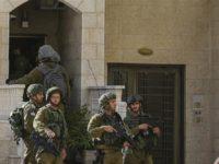 Tentara Israel Razia Kantor Berita Palestina