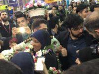 Marzieh Hashemi Disambut Ratusan Orang di Bandara Tehran