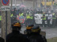 Demo 'Rompi Kuning' Berlanjut untuk Pekan ke-10