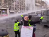 Demo 'Rompi Kuning' Paris Masuki Pekan ke-17