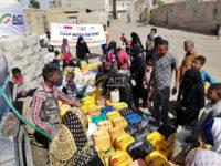 Distribusi air bersih untuk Yaman
