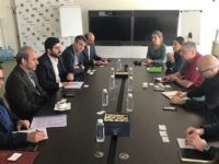 CEO Presstv saat melakukan pertemuan dengan direktur Reuters di Moskow.