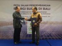 Greenpeace Indonesia Dan Universitas Udayana Bali Tandatangani Komitmen Pengembangan EBT