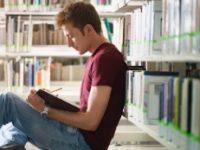 6 Manfaat Baca Buku Beberapa Menit dalam Sehari
