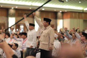 """""""People Power"""" Akhirnya Akan Mencari Legitimasi Konstitusional"""