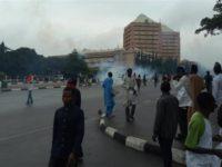 [FOTO] Polisi Nigeria Serang Pendukung Syeikh Zakzaky