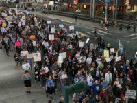Warga AS Gelar Aksi Protes Kebijakan Imigrasi Trump di 700 Kota