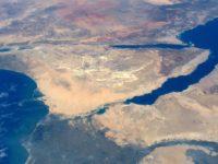 Mesir Menahan Kapal Tanker Minyak Iran di Terusan Suez
