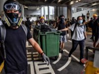 Demonstran Hong Kong Blokade Bandara Internasional