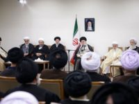 Ayatullah Khamenei: Iran Sekarang Bahkan Lebih Tangguh daripada 10 Tahun Silam