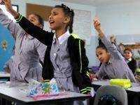 Palestina Hapus Materi Perdamaian dengan Israel dari Buku-buku Pelajaran