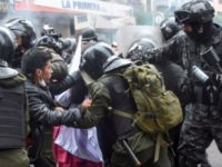 Protes Pengangkatan Presiden Interim, Warga Bolivia Turun ke Jalan