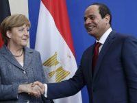 Kanselor Jerman, Angela Merkel, berjabat tangan dengan Presiden Mesir, Abdel Fatah el-Sisi. Sumber: Egypt Today